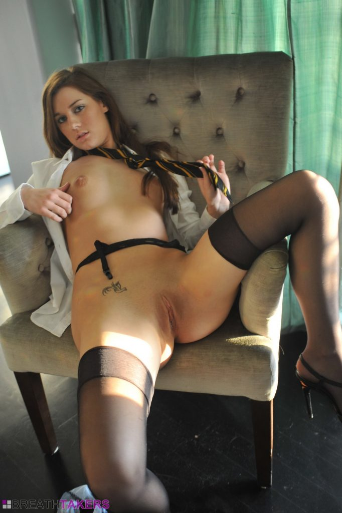 Cali babe Hayley H puts on stockings and her old school uniform